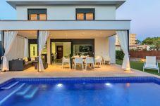 Villa in Alcudia - Beach Villa Mel