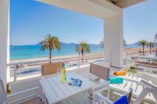 Ferienwohnung in Pollensa / Pollença - Beachfront Apartment Sivella
