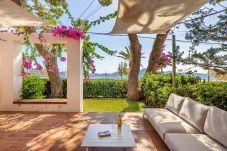 Ferienwohnung in Port de Pollença - Beachfront Apartment Nur