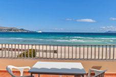 Dom w Playa de Muro - Beachfront Villa Socias Playa