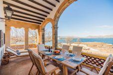 Willa w Alcudia - Beachfront Villa Es Clot