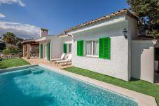 Willa w Cala Sant Vicenç - Beach Villa Peyro