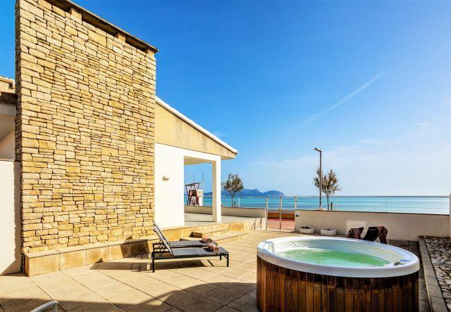 Villa in Ca´n Picafort - Beachfront Villa Silenci