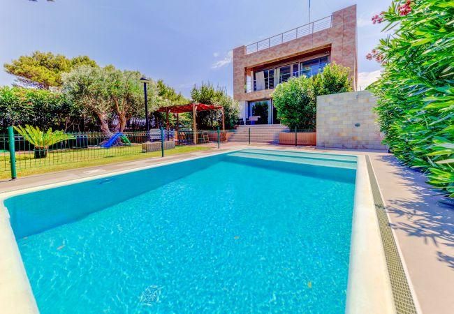 Villa in Alcúdia - Beach Villa Isabel