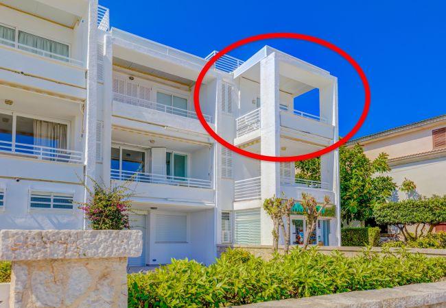 Apartment in Pollensa / Pollença - Beachfront Sivella Apartment