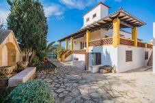 Villa in Alcudia - Beachfront Villa Es Clot